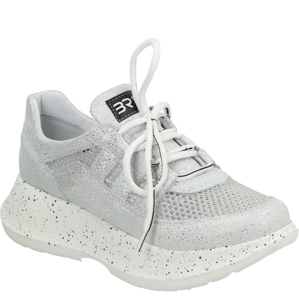 sneakersy-na-grubej-podeszwie